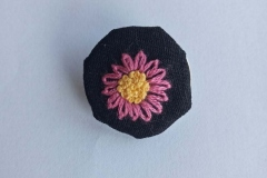 Hand-embroidered-pink-flower-brooch.