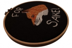 1_Hand-embroidered-fox-fox-sake-hoop-6-inches