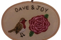 1_Hand-embroidered-hoop-robin-and-rose