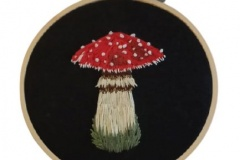 1_Hand-embroidered-mushroom-hoop.-4-inches