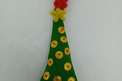 Hand-embroidered-Chrismtas-tree-hanger